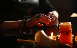 Гадание со свечами: когда можно проводить и инструкция к выполнению