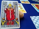 Как правильно трактовать старший Аркан Иерофант в комбинациях с другими Таро