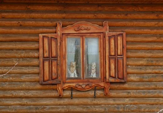 Обереги в окне