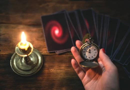 таро часы свеча