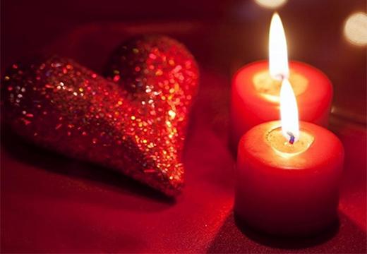 сердце и две свечи