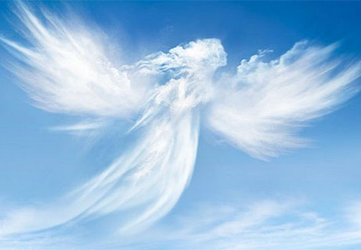 облака в форме ангела