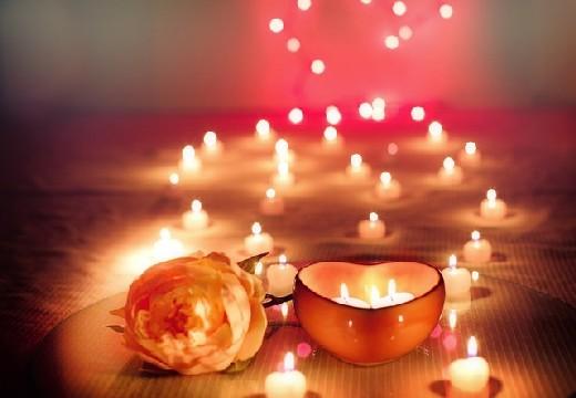 свечи и роза