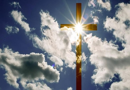 крест в облаках