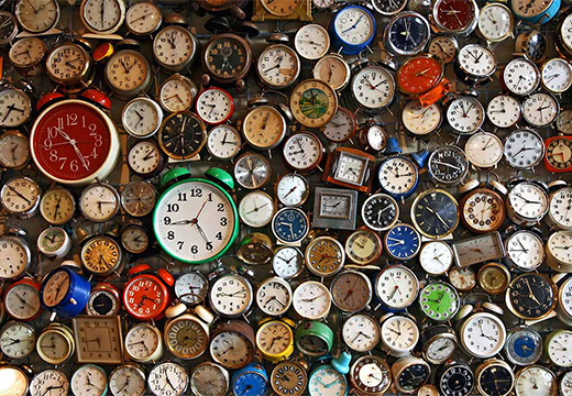 много часов