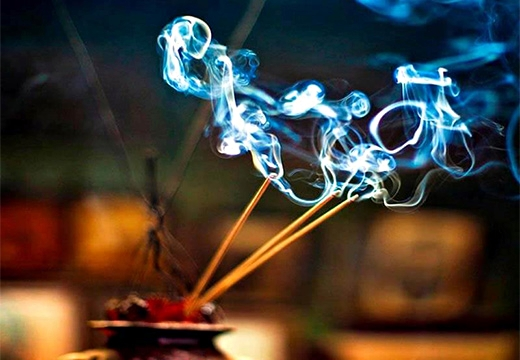 дым благовония