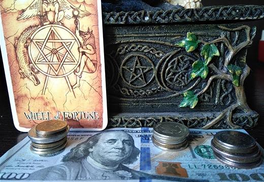 деньги и карта