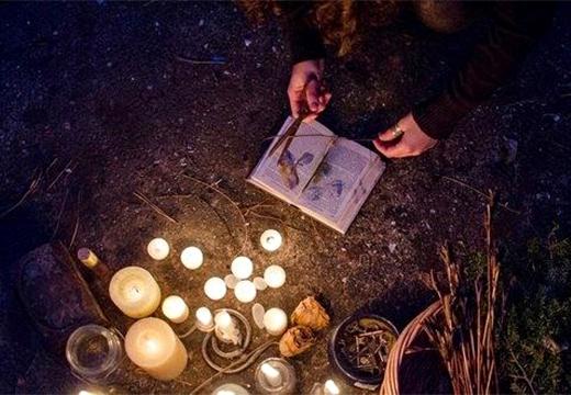 ритуал при свечах