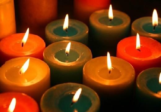 много свечей