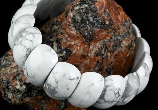 браслет из минерала