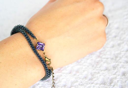 плетеный браслет с аметистом