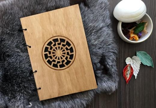 деревянный блокнот черное солнце