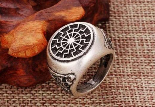 кольцо черное солнце