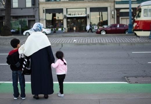 мусульманка с детьми