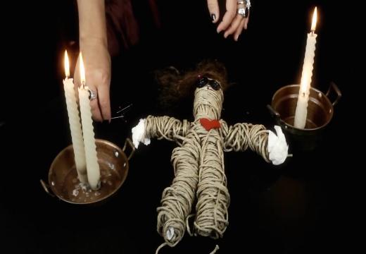 Заклинание с белыми свечами