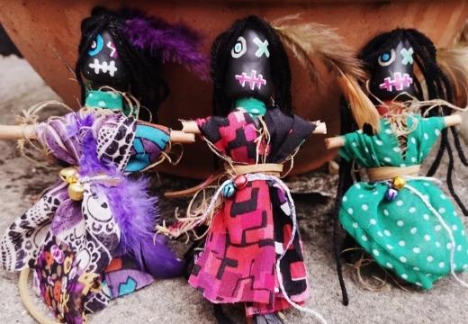 три куклы вуду