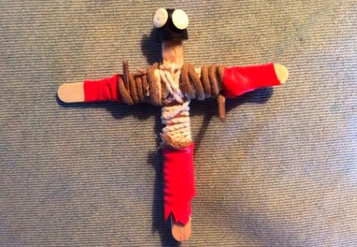 кукла вуду из палочек