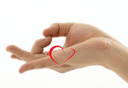 рука сердечко
