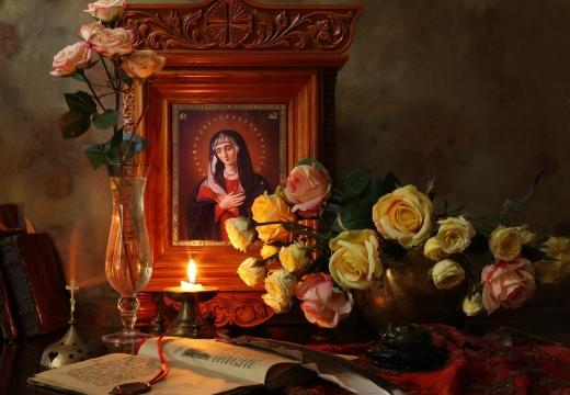 икона свеча цветы