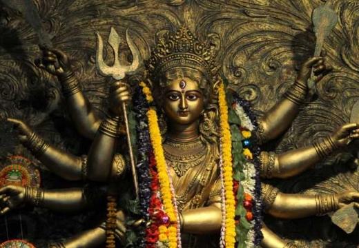 статуя богини дурги