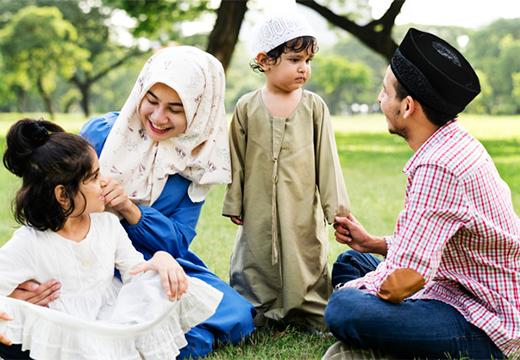 счастливая исламская семья