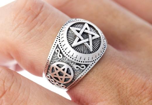 кольцо с пентаграммой