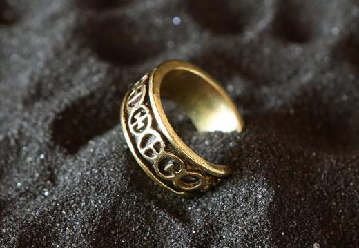 кольцо черный песок