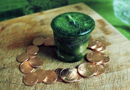 монеты зеленая свеча