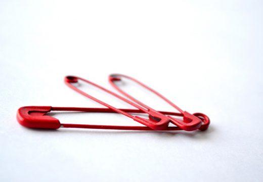 красные булавки