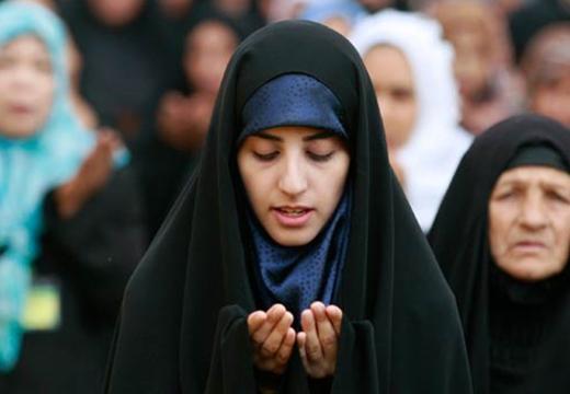 мусульманки молятся