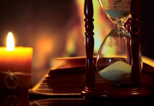 песочные часы свеча