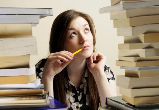 студентка книги