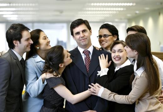 сотрудники любят начальника